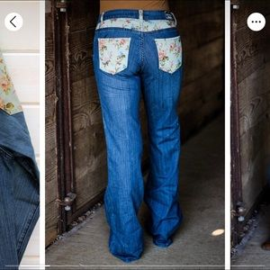 Floral pocket jeans